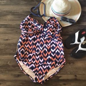 🍦 Liz Lange Maternity Swimsuit